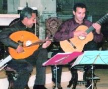 Concert acoustique au Cervantès : Le duo Tikrouine et Naji joue à Casablanca