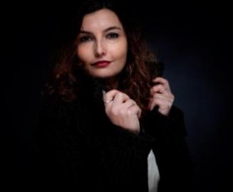 """""""Pourvu qu'il soit de bonne humeur"""", première expérience romanesque de Loubna Serraj"""