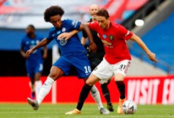  Chelsea disperse Manchester United et file en finale