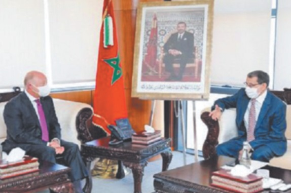 Le chef du gouvernement reçoit  les ambassadeurs du Chili et d'Oman