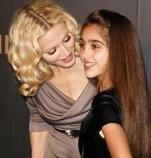 Lourdes, stagiaire pour Madonna