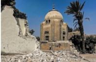 """Au Caire, une route nommée """"Paradis"""" éventre l'historique Cité des morts"""
