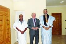 Christopher Ross reçoit Mahjoub Salek : Khat Achahid dévoile les vérités cachées du Polisario
