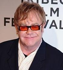 People : Elton John en tête des chansons les plus  vendues en Grande-Bretagne