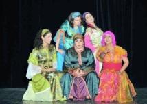 Après le grand succès de la série télévisée sur 2M : Les filles de Lalla Mennana remontent sur les planches