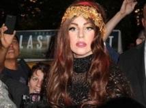 People : Lady Gaga vend sa garde-robe