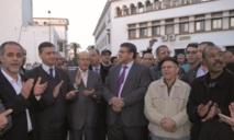 """Des journalistes manifestent devant le département de Ramid : """"Le ministère est là quid de la liberté ?"""""""