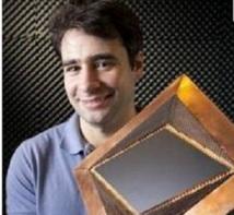 """Des chercheurs créent la première  cape d'invisibilité """"parfaite"""""""