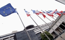 Moody's dégrade la note AAA de la France : Le gouvernement Ayrault reste confiant