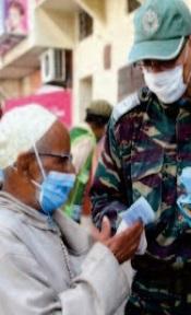 Distribution de masques à Benslimane