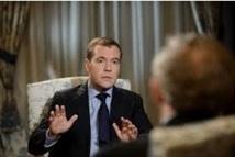 Medvedev dénonce  le soutien de la France à l'opposition syrienne