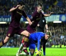 Premier League : United devance City