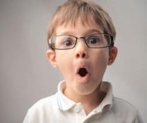 Migraine de l'enfant, il n'a pas forcément besoin de lunettes !