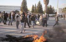 Les violences se poursuivent en Tunisie :  Des milliers de manifestants défilent à Siliana