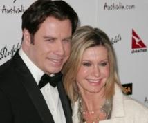 """30 ans après """"Grease"""" : Travolta et Olivia Newton-John rechantent ensemble"""