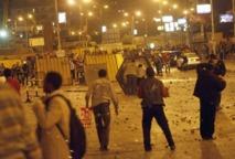 L'Egypte au bord du chaos : Des heurts meurtriers devant la présidence au Caire