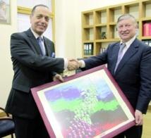 Abdellah Yaacoubi en compagnie d'Anatoly Karpov.
