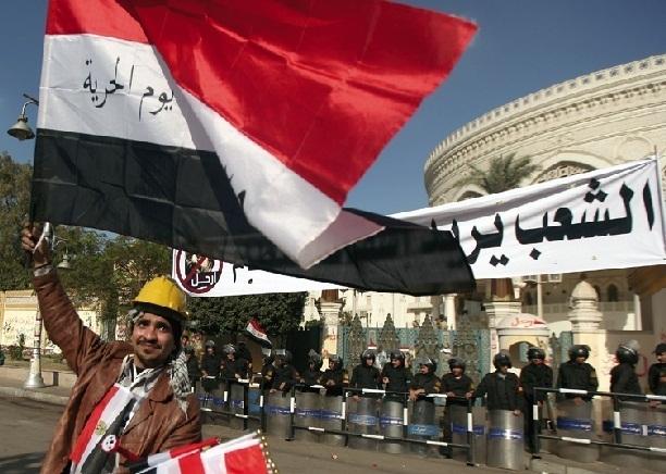 A l'approche du référendum en Egypte : Pro et anti-Morsi appellent à manifester