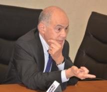 """Fathallah Oualalou au cours d'un point de presse à Rabat : """"Le pays a besoin d'un parti fort et crédible"""""""
