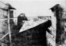 """""""Point de vue du Gras"""" du Français Nicéphore Niepce date de 1826 : Un musée allemand expose la plus ancienne photographie au monde"""