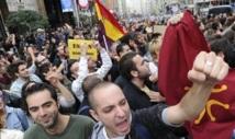 La tension monte en Espagne : Manifestations à Madrid contre la politique d'austérité
