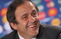 Mondial 2022 : Platini pour une organisation en hiver