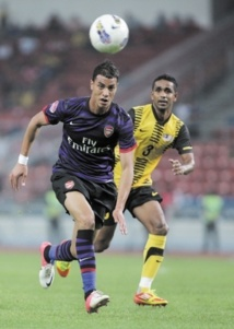 Chamakh rejoint West Ham United