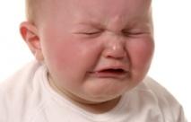 Laissez votre bébé pleurer : c'est pour son bien !