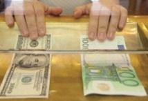 Dans l'attente des indices de la BCE et la Fed, l'euro perd du terrain face au dollar