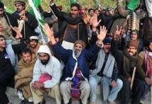 Violences à Islamabad après l'appel à dissoudre le Parlement