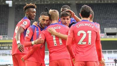 Premier League. Chelsea imperturbable, United minimaliste