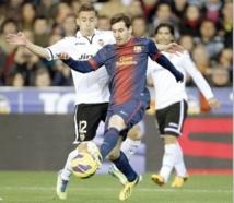 Le Barça accroché, l'Atletico en profite