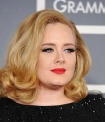 Adele gagne 52 000 euros par jour…