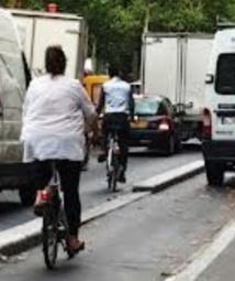Pourquoi les automobilistes détestent les cyclistes