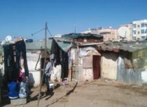 """Le programme """"Villes  sans bidonvilles""""  fait ses premières victimes : Exclusion des jeunes, favoritisme et  corruption marquent le déroulement des opérations"""