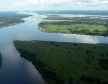 Le franchissement du tumultueux fleuve Congo reste une aventure