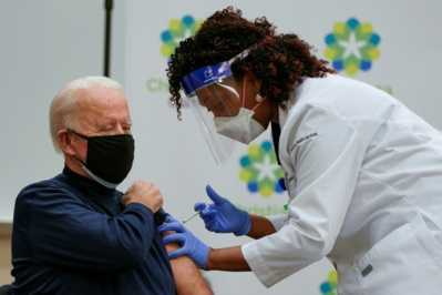 Le futur président américain Joe Biden vacciné contre la Covid-19
