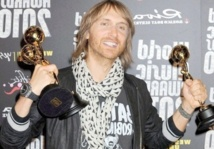 """Titanium"" passe la barre du million au Royaume-Uni"