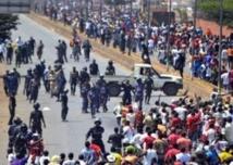 Une manifestation pour  la démocratie dégénère  en affrontements à Conakry