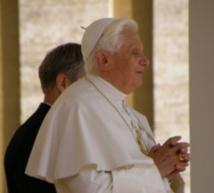 Benoît XVI le dernier pape à renoncer s'en est allé