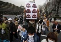 Le Japon se souvient et se recueille