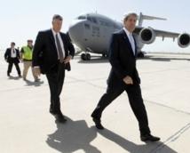 John Kerry rencontre  Mahmoud Abbas à Amman