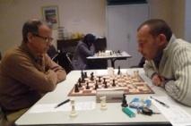 Des simultanées d'échecs à Salé