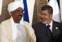 Visite fraternelle de Mohamed Morsi à Omar El-Béchir à Khartoum