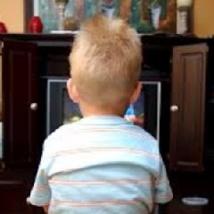 Trop de temps devant la télé ne rend pas les enfants plus perturbés