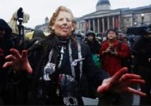 Trafalgar Square fête la mort de Margaret Thatcher