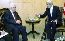 En marge de la réunion des Amis de la Syrie John Kerry et Mahmoud Abbas se rencontrent à Istanbul