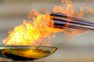 Départ de la flamme olympique sans spectateurs