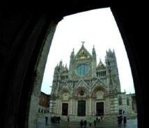 """""""La porte du ciel"""": une promenade sur les toits de la cathédrale de Sienne"""