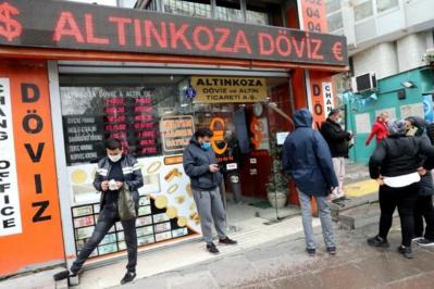 La Turquie veut maintenir un régime de changes libres, malgré le plongeon de sa devise